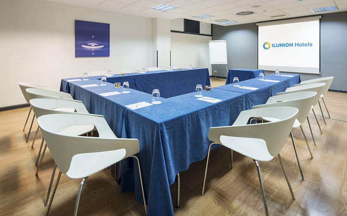 Meeting-rooms hotel ilunion romareda saragossa